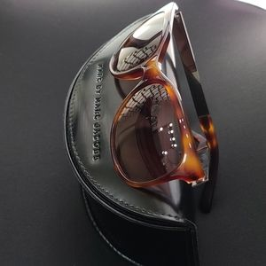 Marc jacobs sunglasses very good condition+case